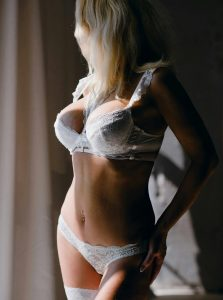 Фото проститутки СПб по имени Вика +7(931)204-88-20
